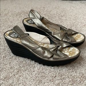 Fly London bronze metallic heels sz 39